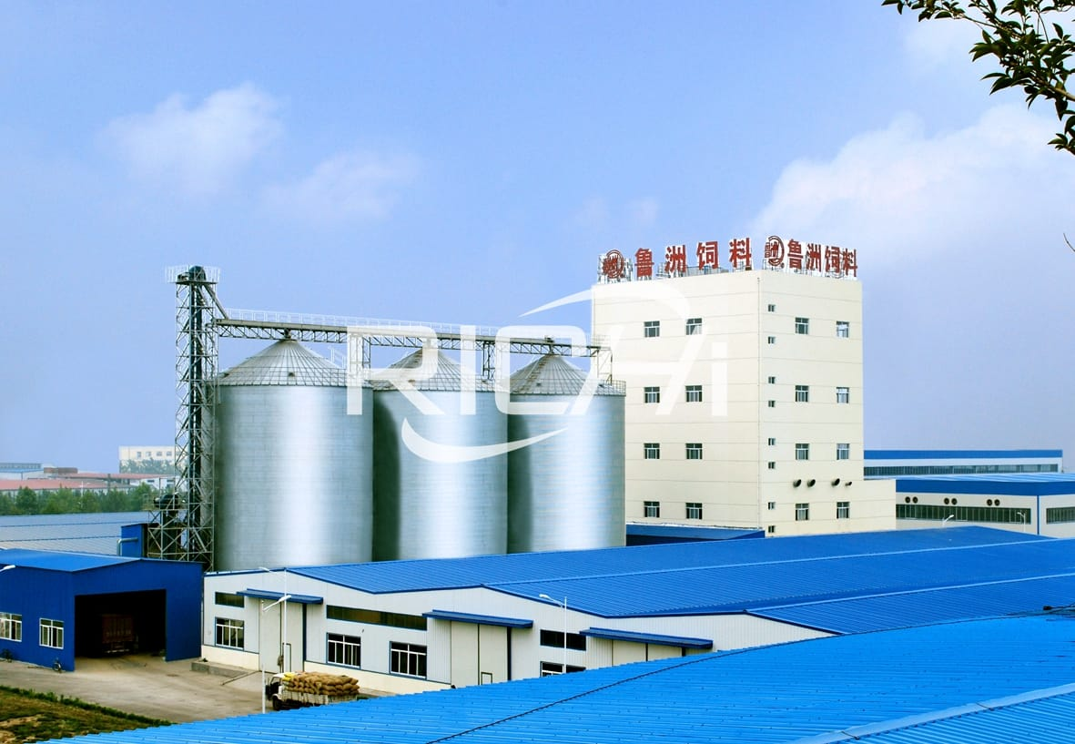 mobile 1000kg/h livestock animal poultry feed processing plant