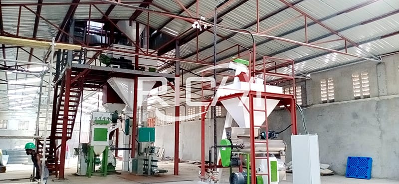 1-4tph small animal chicken poultry fish livestock feed production line